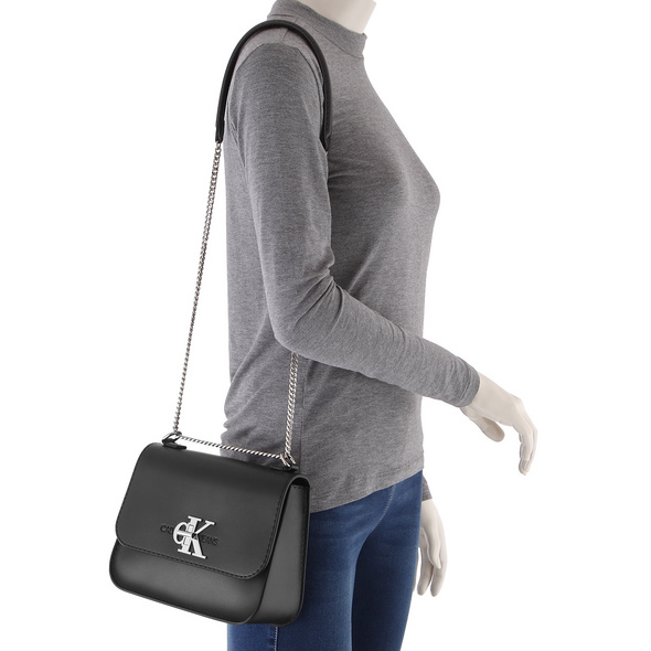 Calvin Klein Jeans Abendtasche CKJ Mono Hardware Medium Flap black