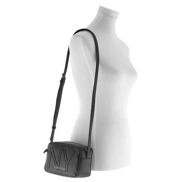 Calvin Klein Umhängetasche Must Camerabag NY black BDS