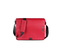 Bree Messenger Bag Punch 49 rot